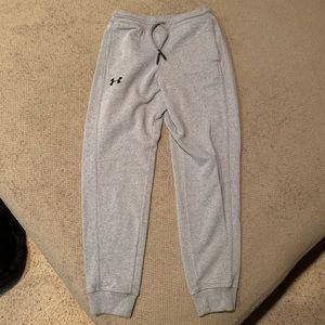 Under Armour boys sweatpants / joggers